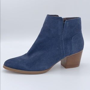 ALDO navy blue suede ankle boots size 7